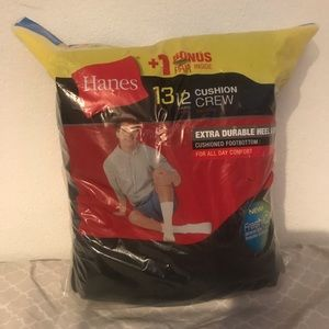 Other - 13 pairs of hanes socks size 6-12 Crew.  (New)